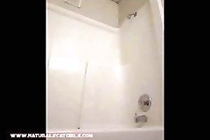 Naturalscatgirls (Anatevka in the Shower)