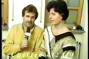 Vintage scat slave - shitting MILF lady