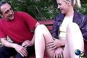 Extreme outdoor scat action with hot Bea
